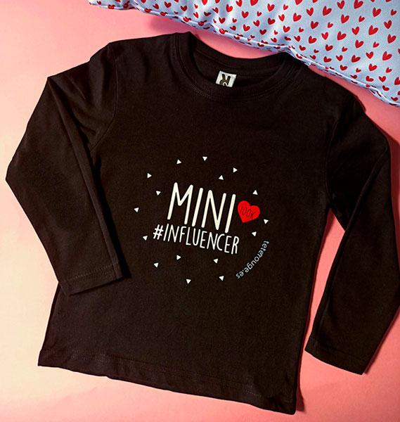 camiseta negra mini influencer manga larga. Tete rouge